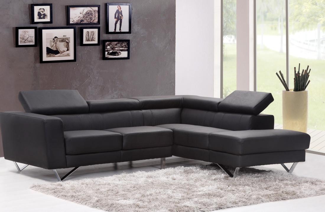 Il divano come elemento essenziale nell 39 arredamento for Arredamento minimal moderno