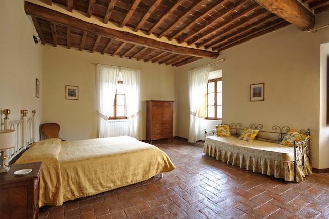 Arredamento Toscano Rustico : Stile di arredamento toscano la scelta della camera da letto